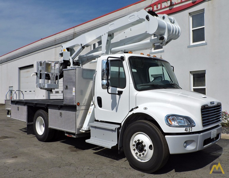1000 lb  Dur-A-Lift DPM2-52 Bucket Truck For Sale Boom Lifts