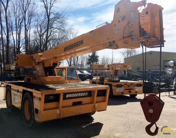 Broderson IC-200-3H 15-Ton Carry Deck Crane 1