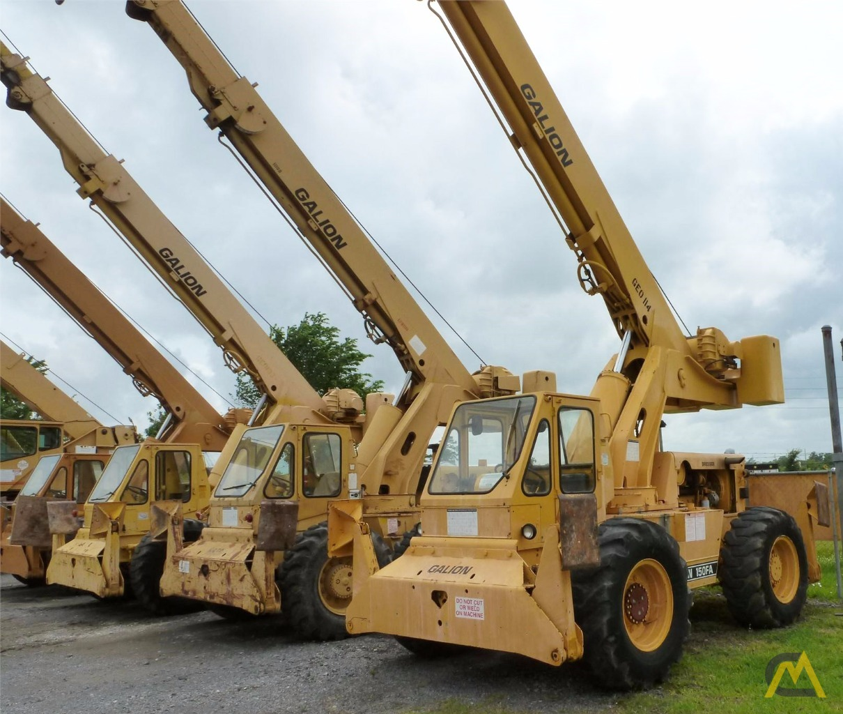 Galion 150FA 15-Ton Down Cab Rough Terrain Crane 1