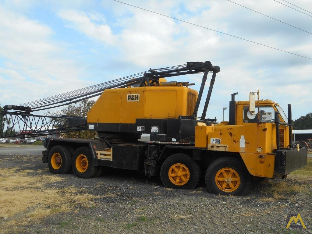 1974 P&H 440TC 40-Ton Lattice Boom Truck Crane 2