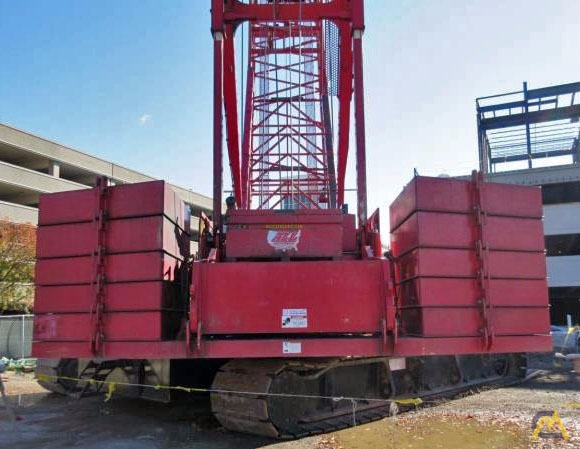 2006 Manitowoc 2250 300-Ton Lattice Boom Crawler Crane 6