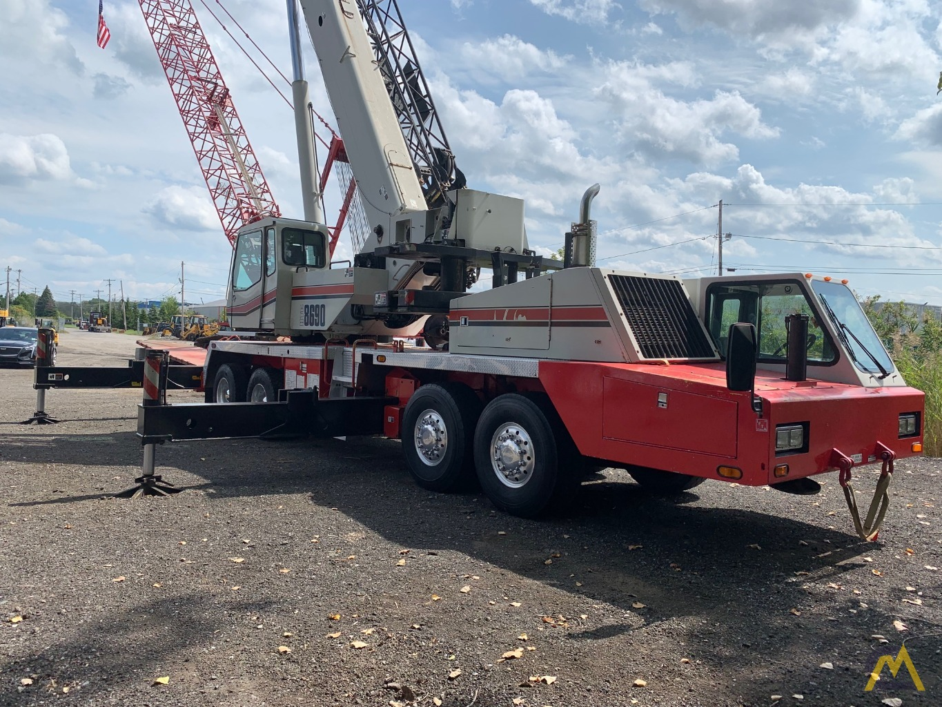 2007 Link-Belt HTC-8690 90-Ton Telescopic Truck Crane w/ Detroit Engine 4