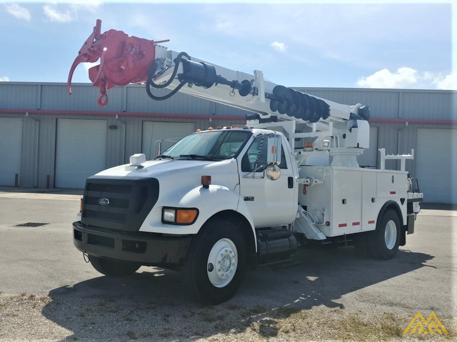 Altec DM47-TR 15-ton Wireless Remote Digger Derrick on 2009 Ford F750 Utility  0