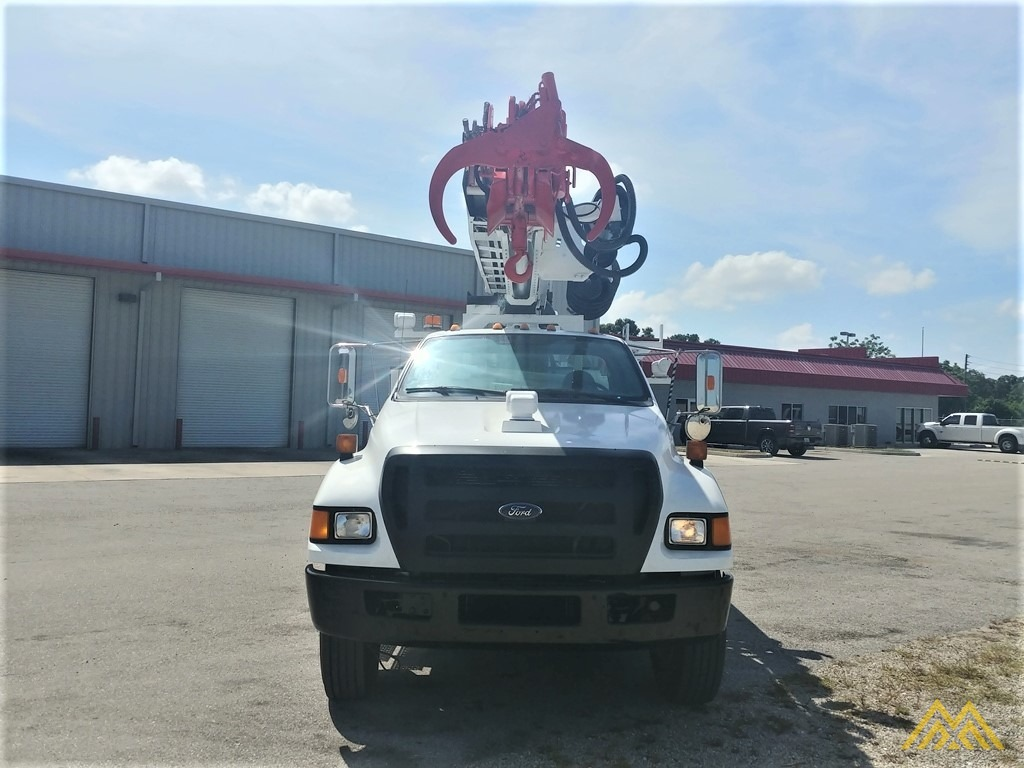 Altec DM47-TR 15-ton Wireless Remote Digger Derrick on 2009 Ford F750 Utility  1