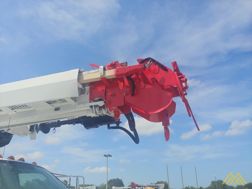 Altec DM47-TR 15-ton Wireless Remote Digger Derrick on 2009 Ford F750 Utility  14