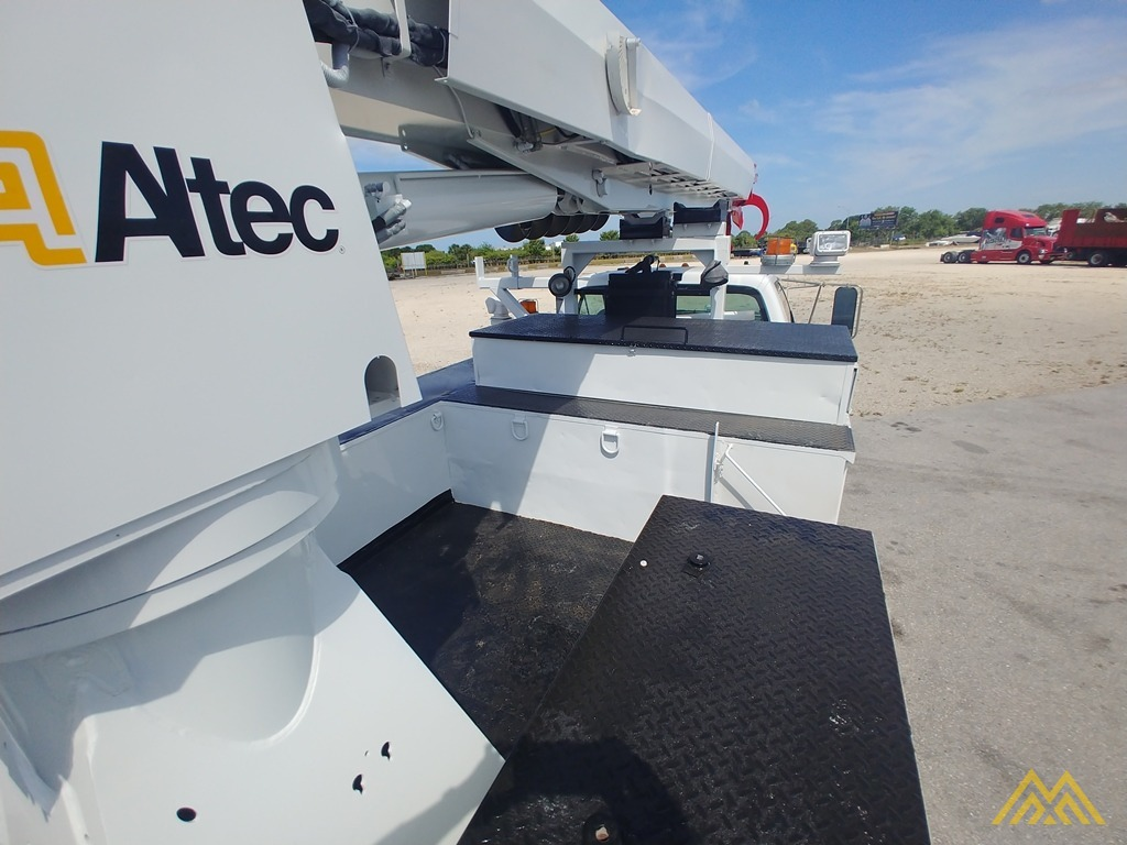 Altec DM47-TR 15-ton Wireless Remote Digger Derrick on 2009 Ford F750 Utility  15
