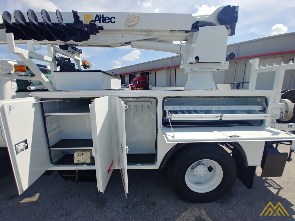 Altec DM47-TR 15-ton Wireless Remote Digger Derrick on 2009 Ford F750 Utility  9
