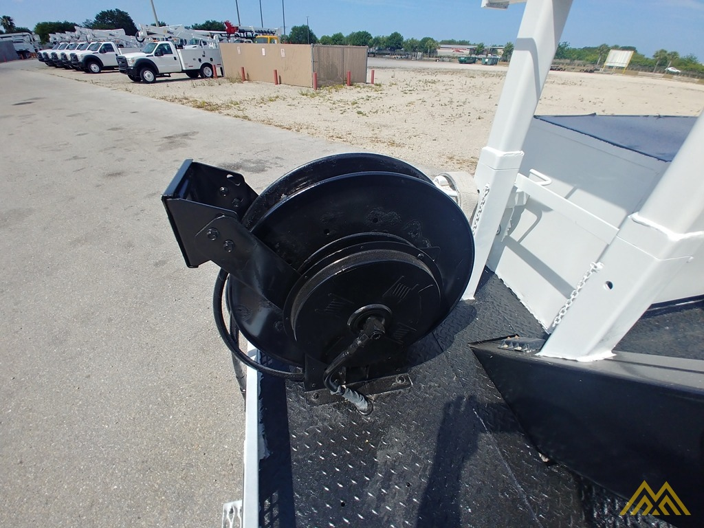Altec DM47-TR 15-ton Wireless Remote Digger Derrick on 2009 Ford F750 Utility  17