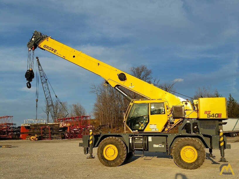 2012 Grove RT540E 40-Ton Rough Terrain Crane 4