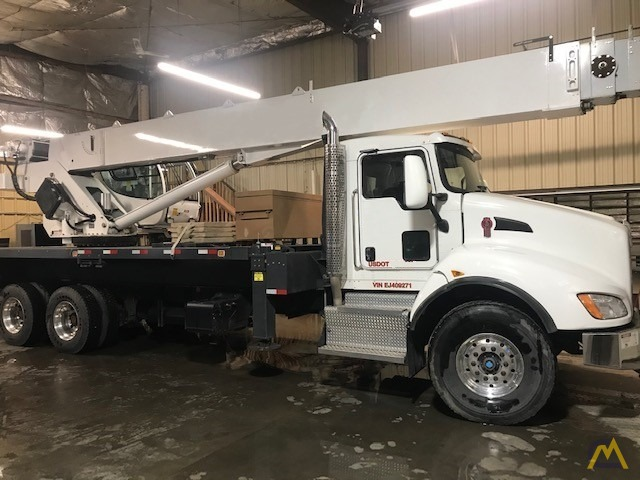 2013/2014 Manitex 40124S w/ New-Style Crane Cab on Kenworth 'Parade Pretty' – One owner/Operator, Low Miles/Hours, Stored Indoors 3