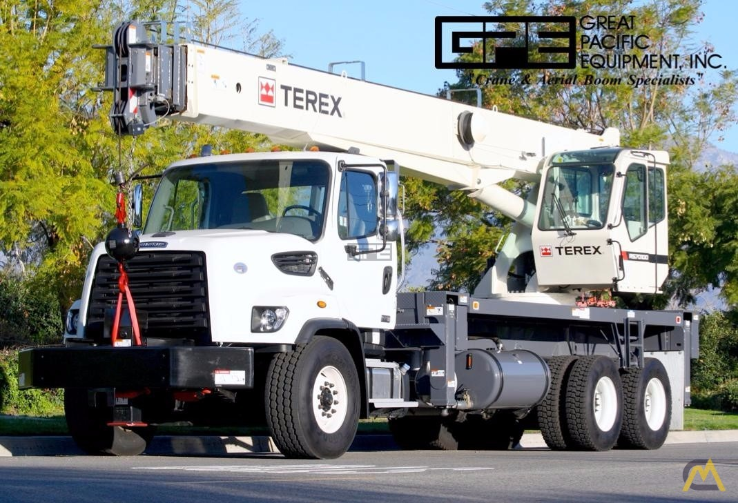 Terex RS 70100 35-Ton Boom Truck Crane on Freightliner 108SD 0