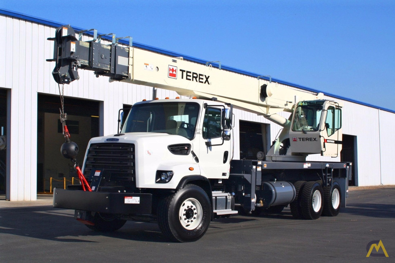 Terex RS 70100 35-Ton Boom Truck Crane on Freightliner 108SD 2