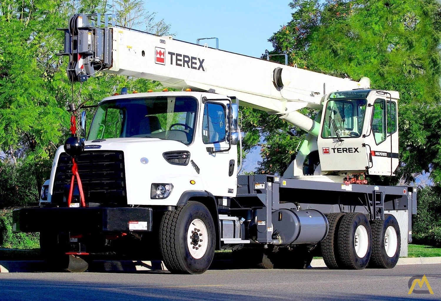 Terex RS 70100 35-Ton Boom Truck Crane on Freightliner 108SD 4