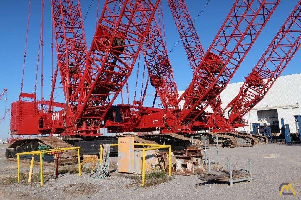 2014 Manitowoc 18000 825-Ton Lattice Boom Crawler Crane 1