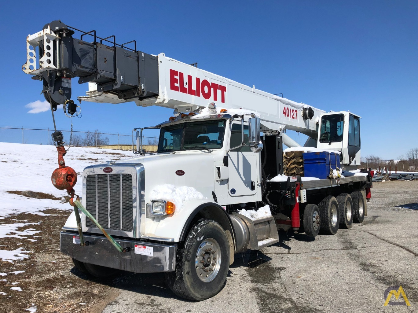 2015 Elliott 40127R 40-Ton Boom Truck Mounted on 2015 Peterbilt 367 For Sale