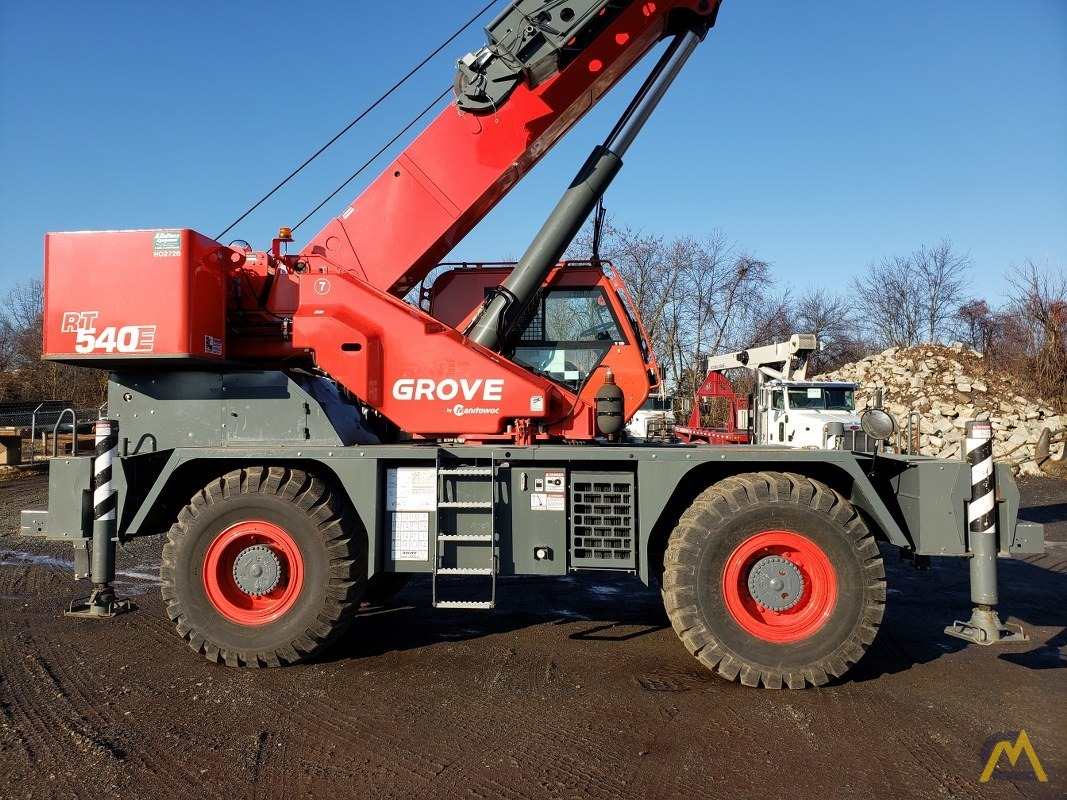 2015 Grove RT540E 40-Ton Rough Terrain Crane 2