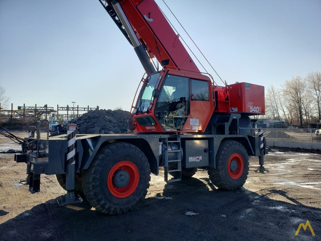 2015 Grove RT540E 40-Ton Rough Terrain Crane 1