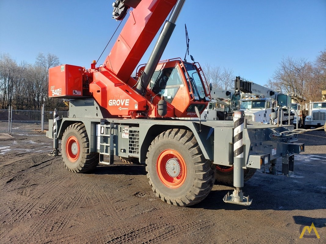 2015 Grove RT540E 40-Ton Rough Terrain Crane 4