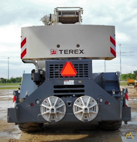 Terex RT 555 55-ton Rough Terrain Crane 7
