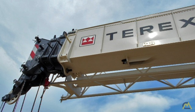 Terex RT 555 55-ton Rough Terrain Crane 13