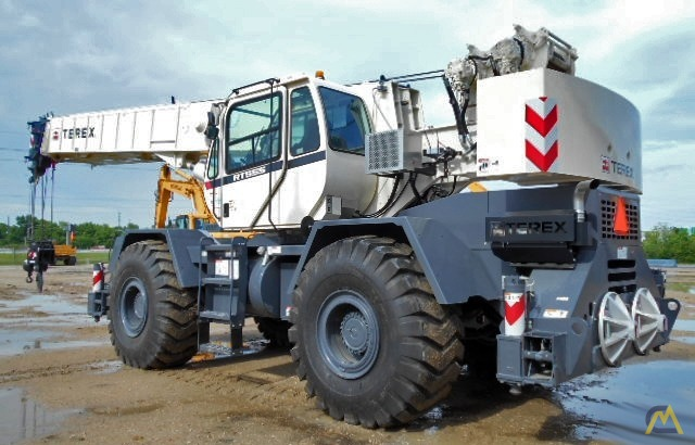 Terex RT 555 55-ton Rough Terrain Crane 2