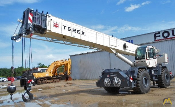 Terex RT 555 55-ton Rough Terrain Crane 1