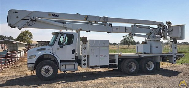 Altec AH100 Articulating Telescopic Aerial Lift 1