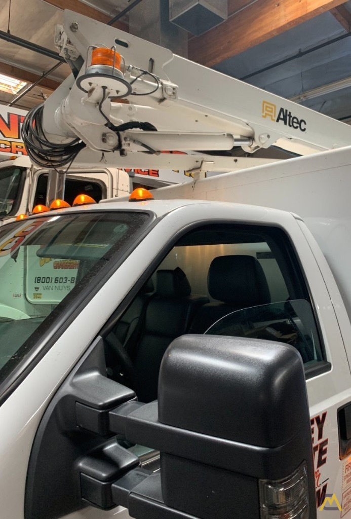 Altec AT248F Articulating Bucket Truck on Ford F550 4