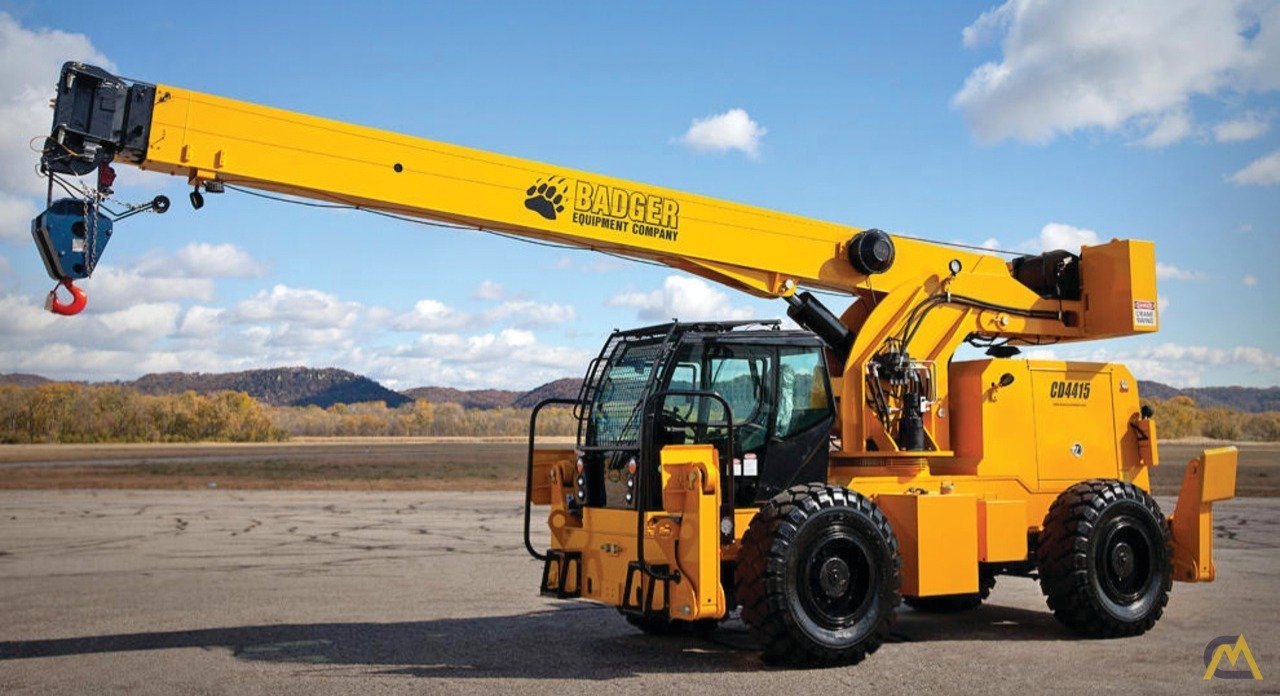 Badger CD4415 15-Ton Rough Terrain Crane 0