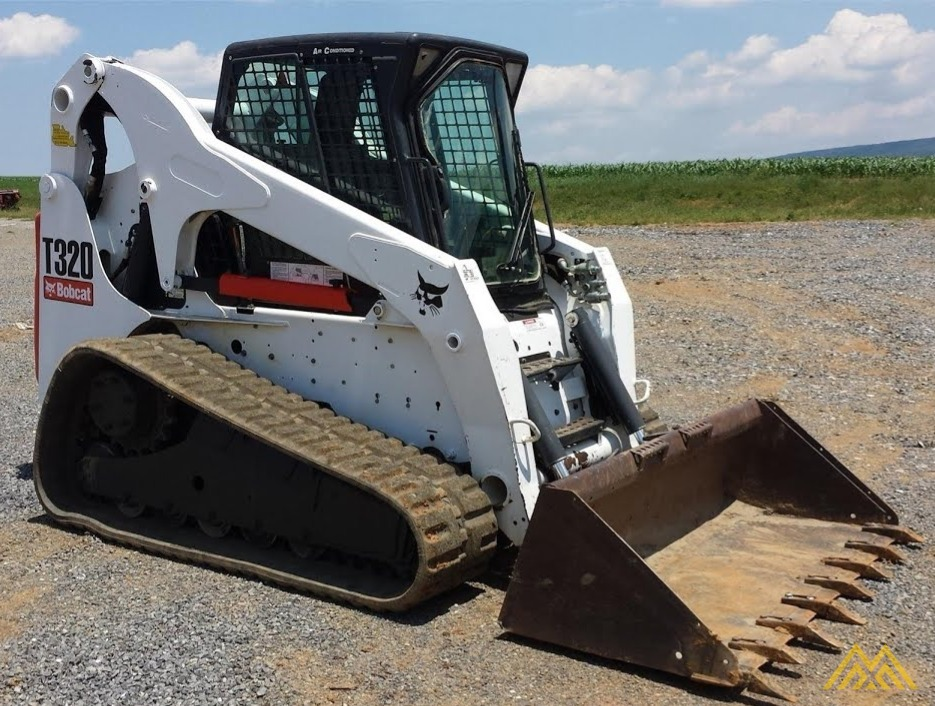 Bobcat T320 Skid Steer Loader 0