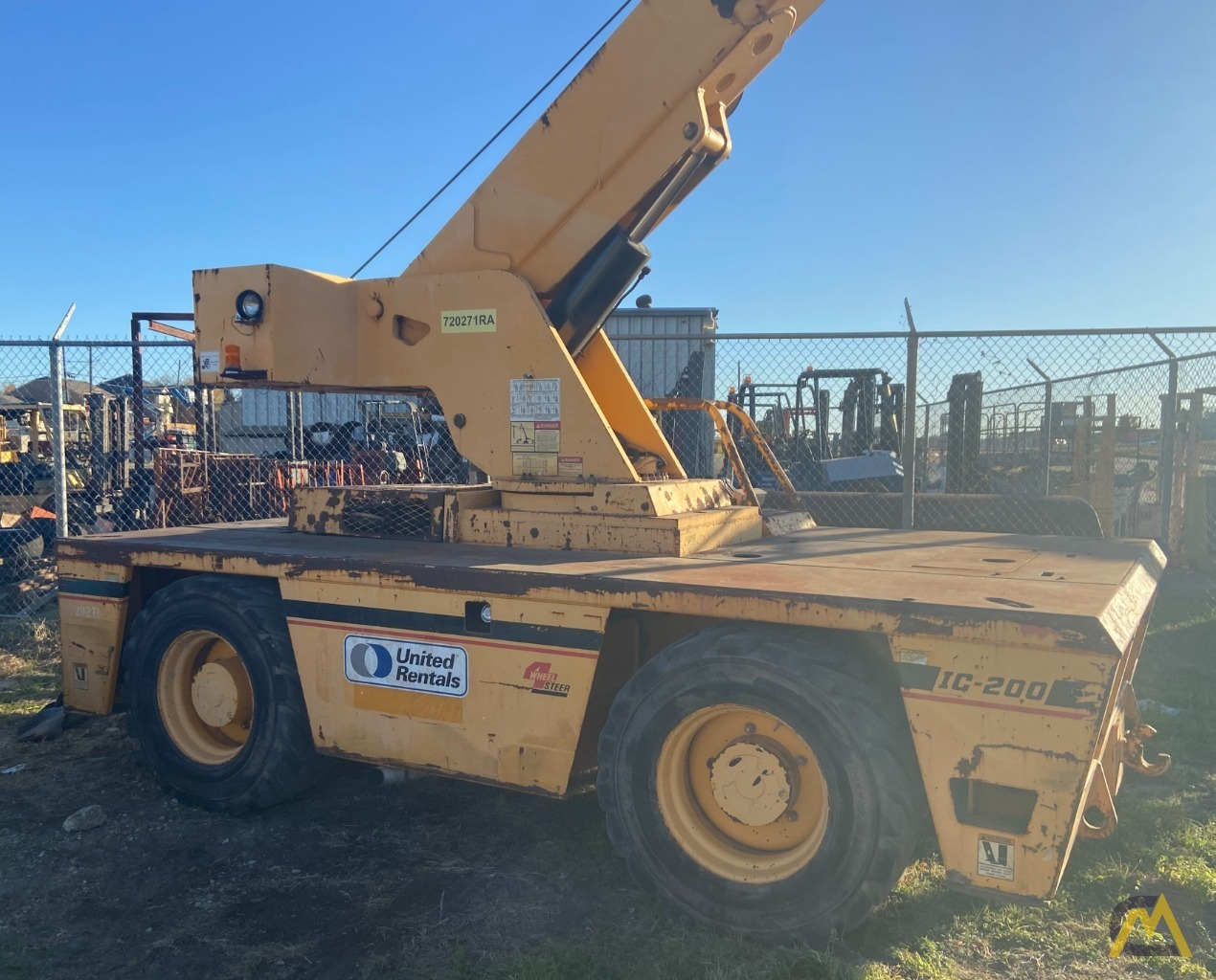 Broderson IC-200-3H 15-ton Carry Deck Industrial Crane Low Hours 1