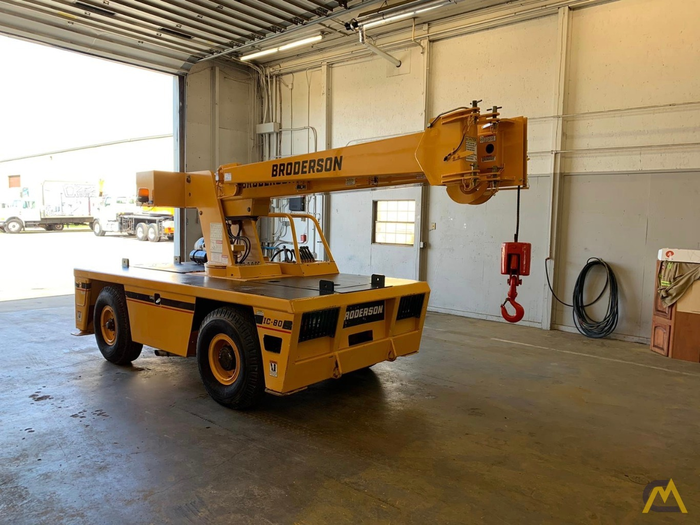 Broderson IC-80-3F 9-Ton Compact Carry Deck Crane 7
