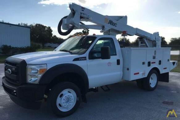 Altec AT37G 42' Articulating Telescopic Boom Aerial Bucket Truck on Ford F550 0