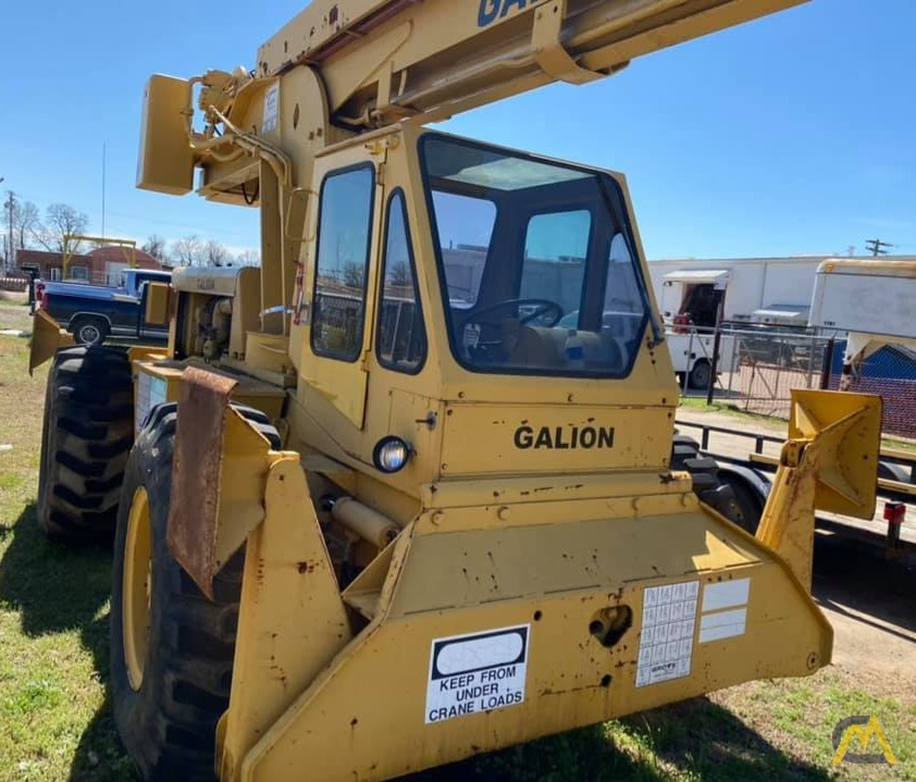 Galion 150FA 15-Ton Down Cab Rough Terrain Crane 2