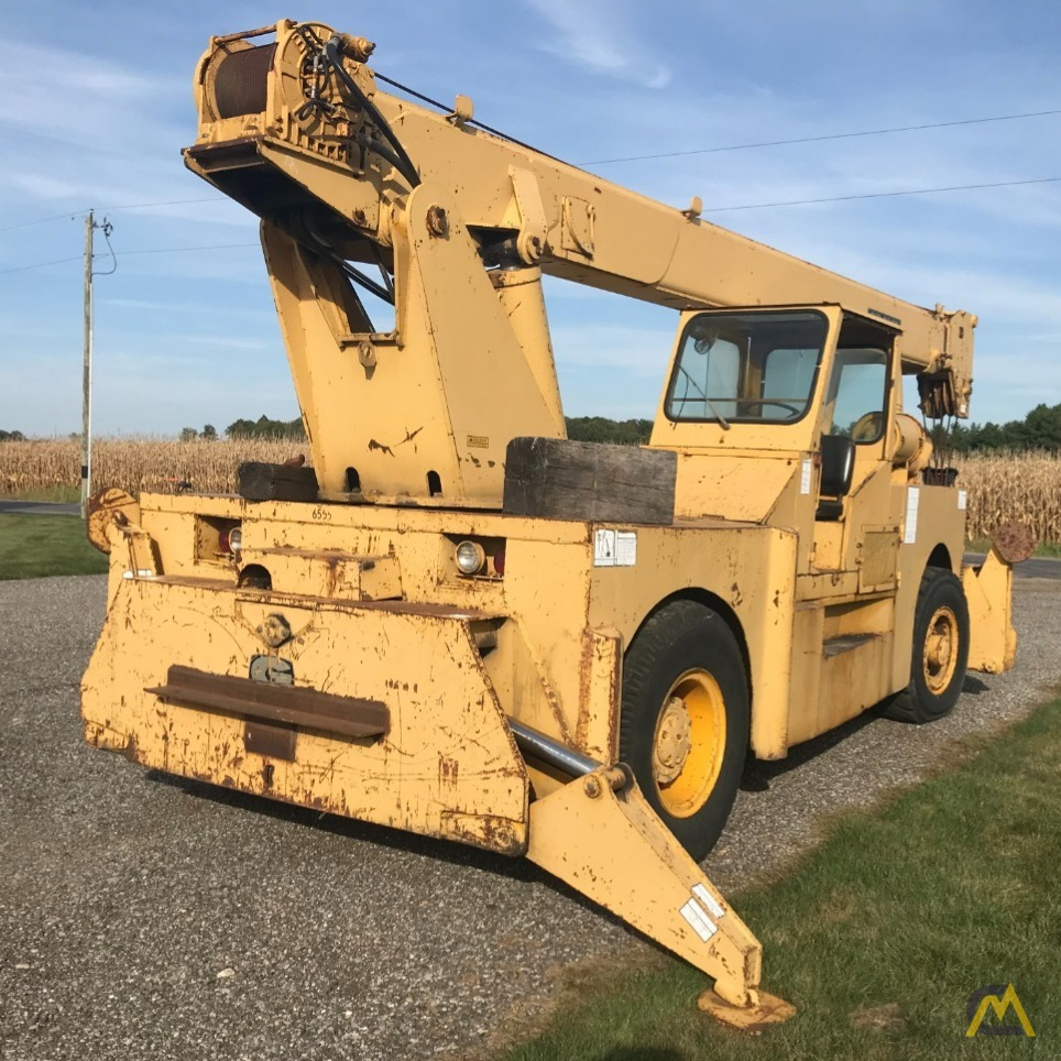Grove IND1012D 17.5-ton Industrial Pick and Carry Crane 3