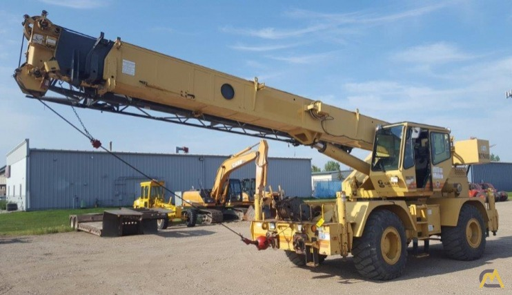 Grove RT530D 30-Ton Rough Terrain Crane 1