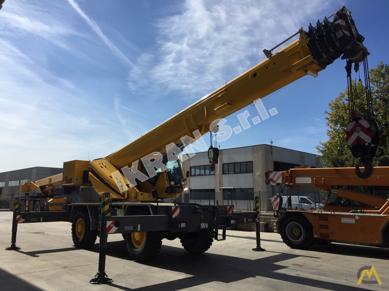 Grove RT550E 45-ton Rough Terrain crane 1
