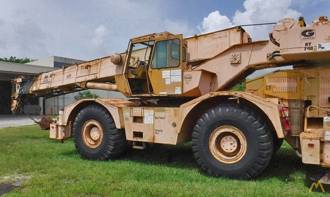 Grove RT740 40-Ton Rough Terrain Crane 0