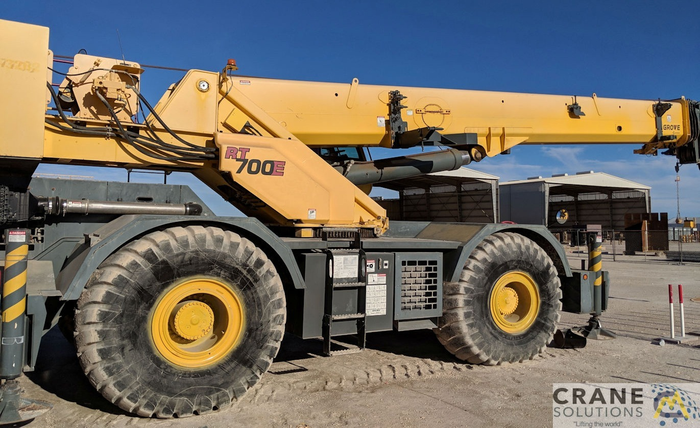 Grove RT760E 60-Ton Rough Terrain Crane 2