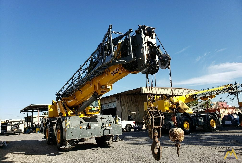Grove RT890E 90-ton Rough Terrain Crane 9