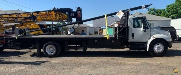 Flatbed For Sale >> International 4300 Flatbed Counterweight Rigging Truck With Liftgate For Sale