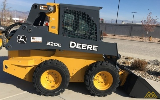 John Deere 320E Skid Steer Loader 3