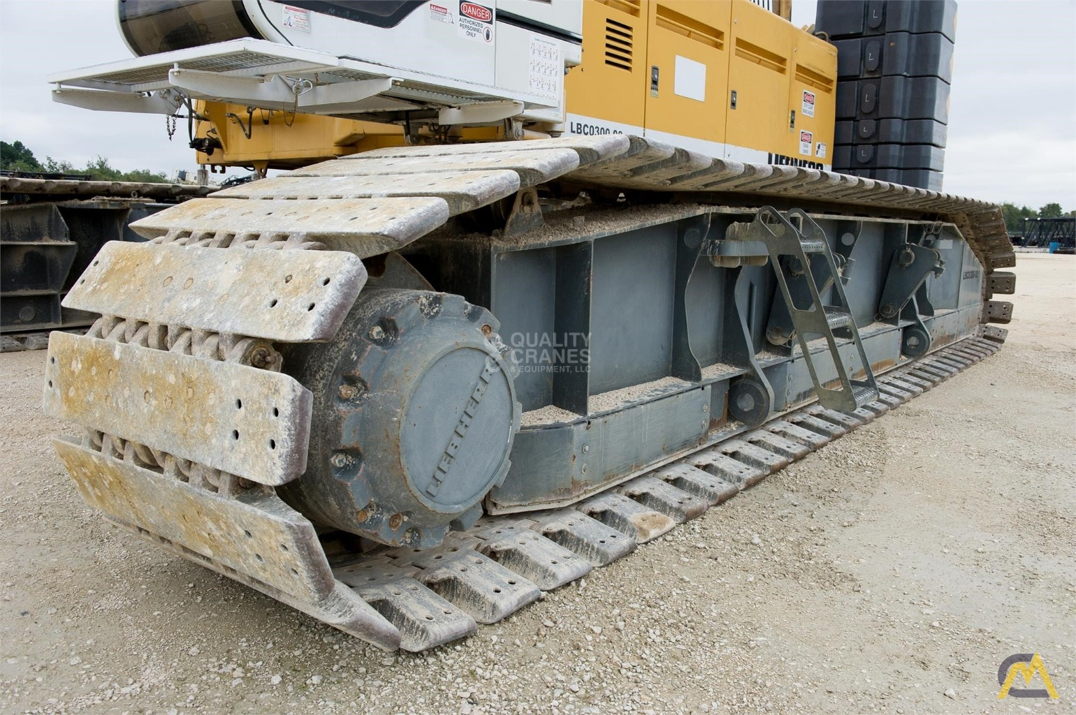 Liebherr LR 1280 300-Ton Lattice Boom Crawler Crane 16