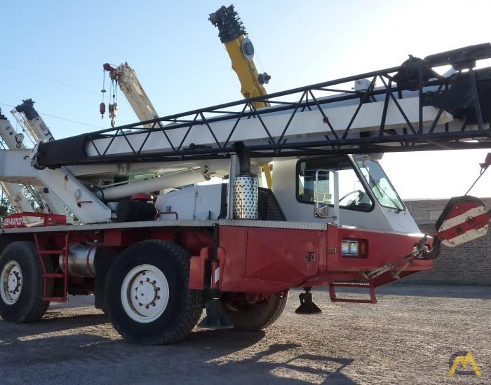 Link-Belt ATC-822 22-ton All Terrain Crane 3