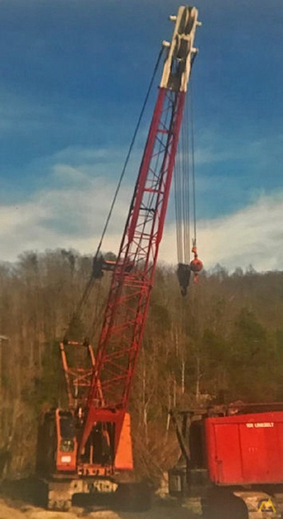 Manitowoc 3000W 65-Ton Lattice Boom Crawler Crane 3