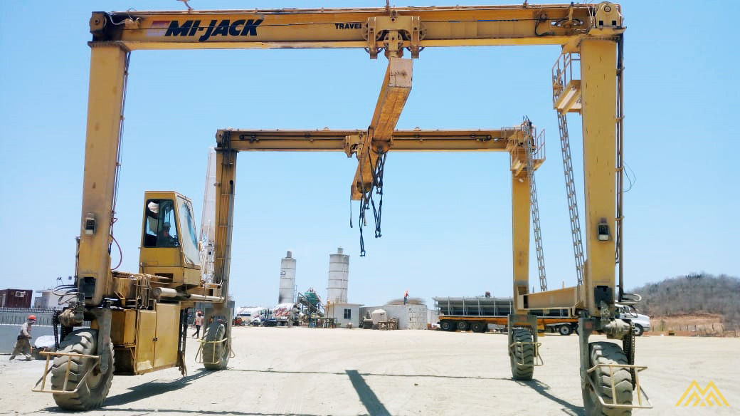 Mi-Jack Travelift MJ55 55-Ton Rubber Tired Gantry Crane 3