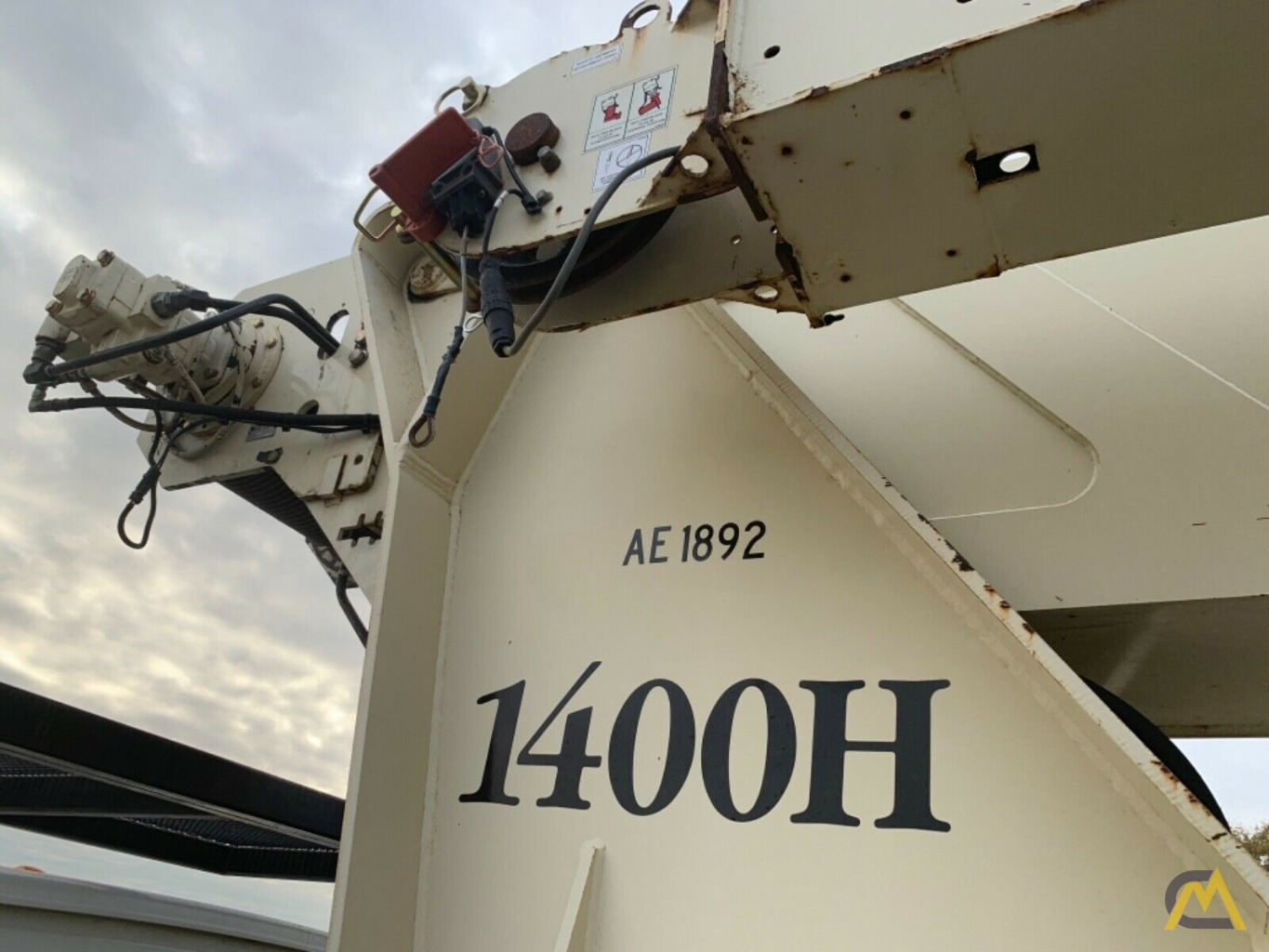 National Series Series 1400H Model 14127H 33-Ton Boom Truck Crane on Sterling L7500 10