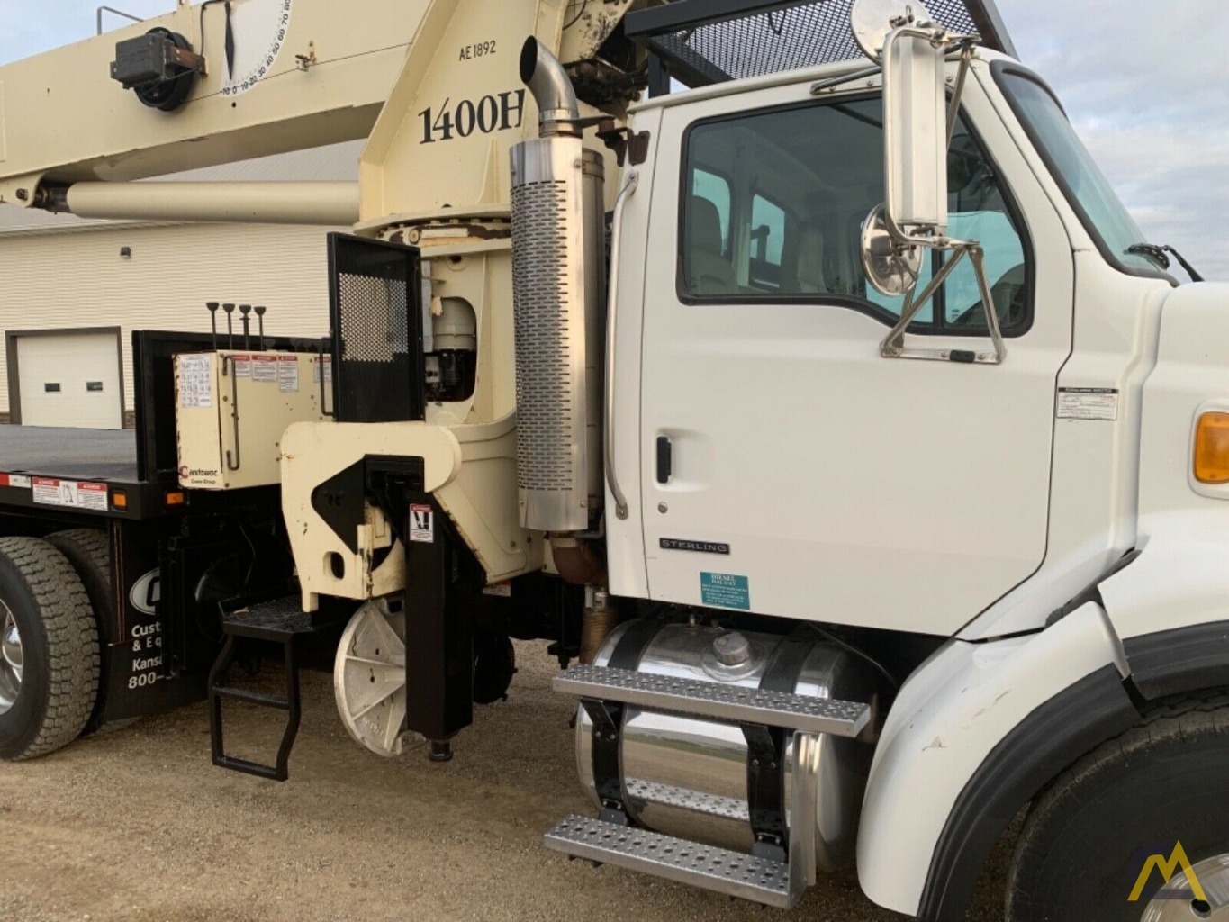 National Series Series 1400H Model 14127H 33-Ton Boom Truck Crane on Sterling L7500 7