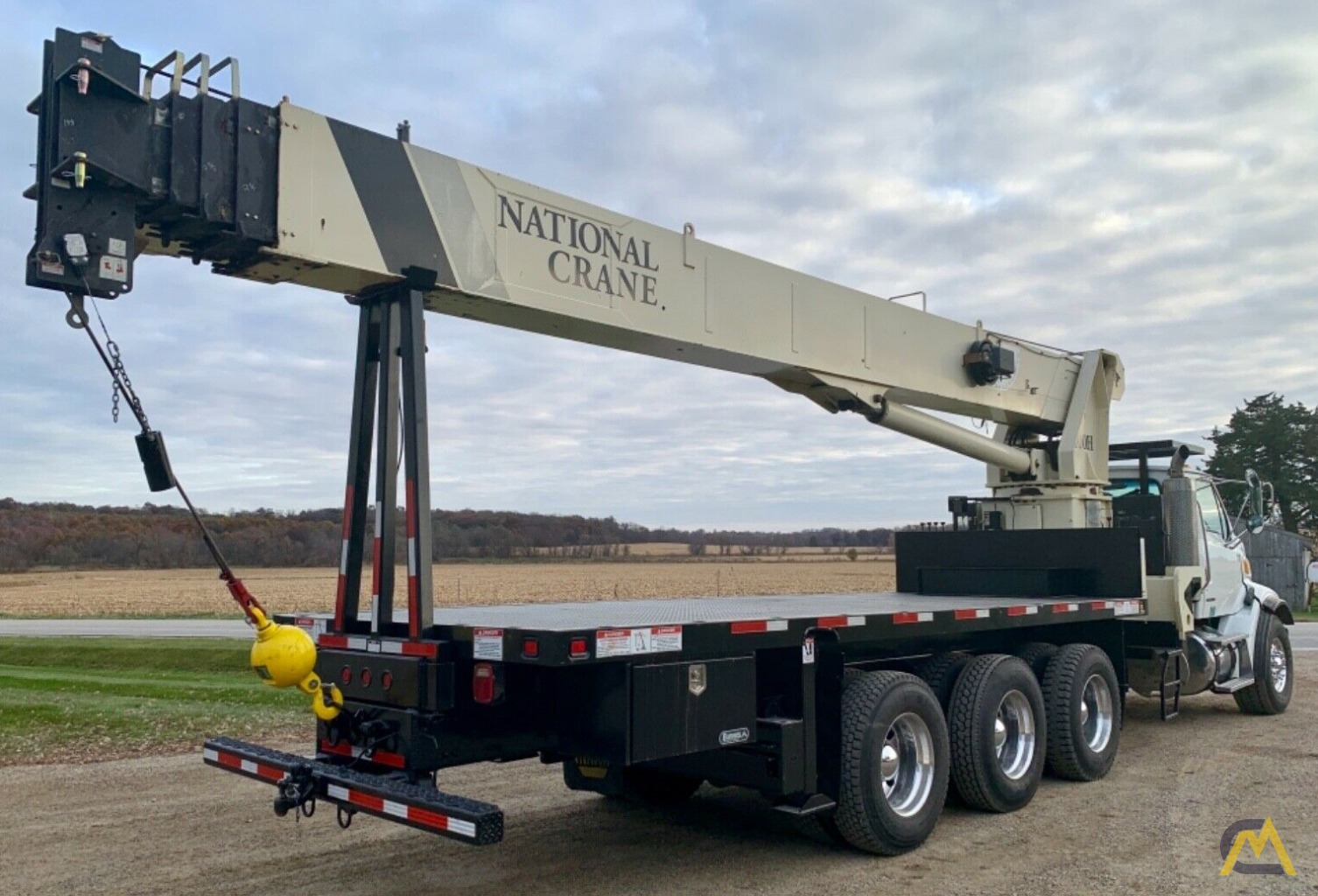 National Series Series 1400H Model 14127H 33-Ton Boom Truck Crane on Sterling L7500 5