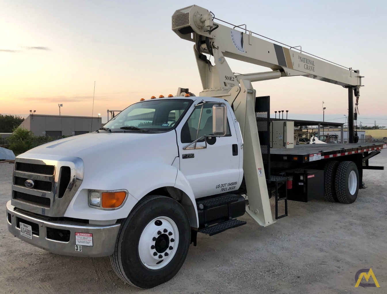 National 500E2 Series 571E2 18-Ton Boom Truck Crane on Ford F750 XL 2